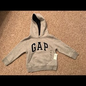NWT 3T boy's GAP Sweatshirt